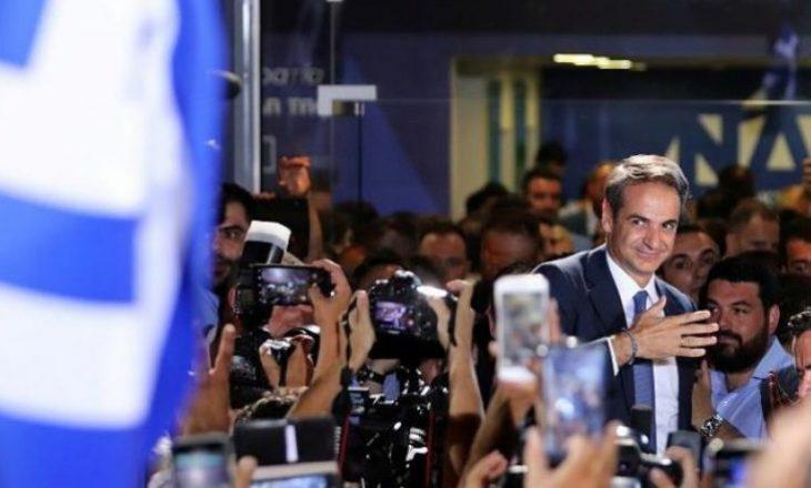 Kryeministri i ri grek kërkon të ulë taksat për bizneset dhe shtresën e mesme