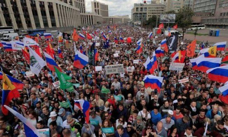 Mijëra protestues kërkojnë zgjedhje të lira në Moskë