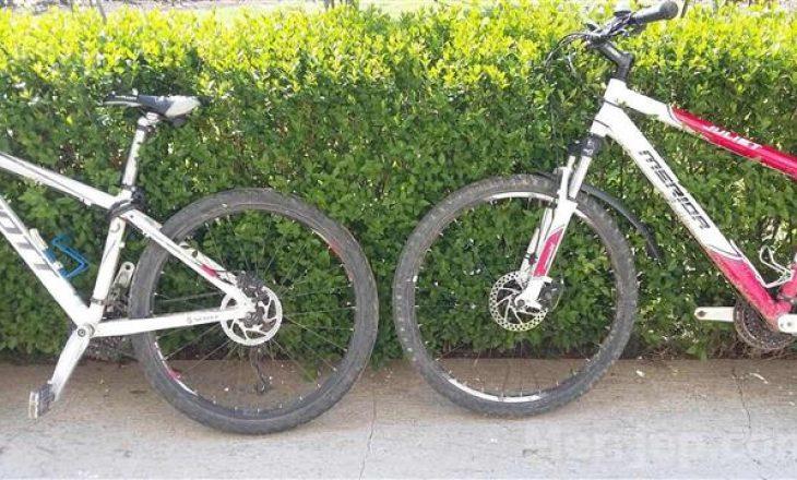 Vidhen dy biçikleta në Pejë