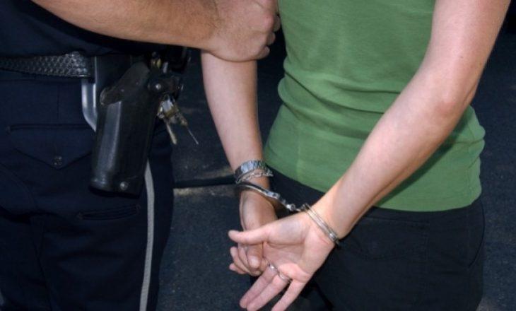 Arrestohet vozitësja e veturës që i shkeli tre këmbësorë në Lipjan