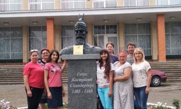 Në Ukrainë është vendosur Busti i Skënderbeut