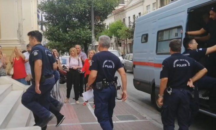 Shqiptari që vrau babanë, po konsiderohet hero nga grekët