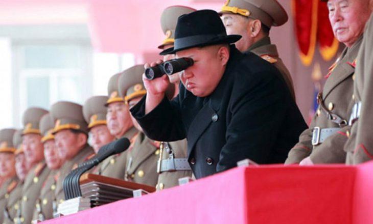 Biografia e Kim Jong-unit shpërfaq anën e panjohur të liderit komunist