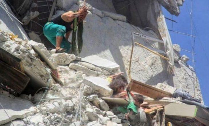 E dhimbshme: 5-vjeçarja siriane vdes pasi e shpëton motrën 7-mujashe nga rrënojat