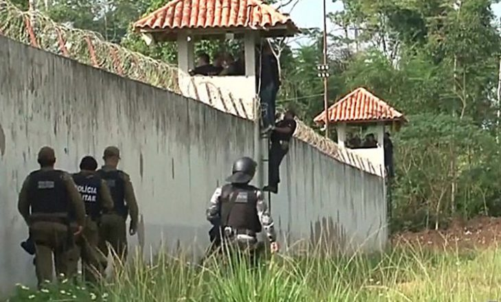 Sherr mes bandave në burg, 52 të vdekur në Brazil
