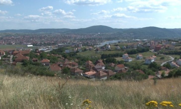 Shtëpitë e shqiptarëve në Veri janë kthyer në deponi mbeturinash