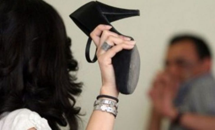 Dy femra shqiptare e bëjnë për spital një mashkull turk
