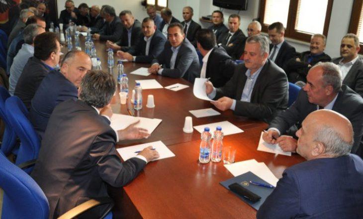 Isa Mustafa mbledh LDK-në pas dorëheqjes së Ramush Haradinajt