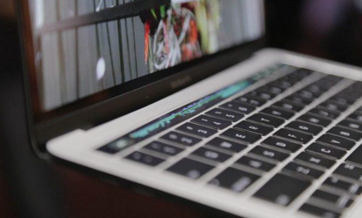 Apple ndryshon dizajnin e tastierave problematike të MacBook
