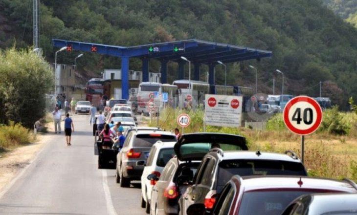 Deri në dy orë pritjet në pikën kufitare në Merdare
