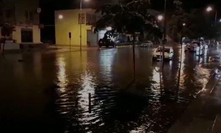 Reshje të mëdha shiu gjatë natës – Përmbytje në bregdetin e Shqipërisë