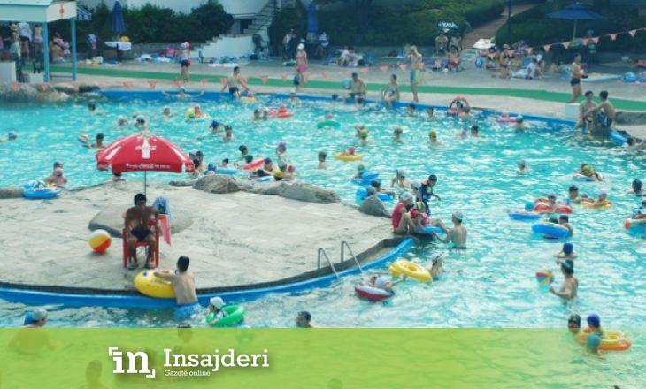 Skandali i madh veror në Prishtinë – pishinat nuk i kontrolloi askush për cilësinë e ujit