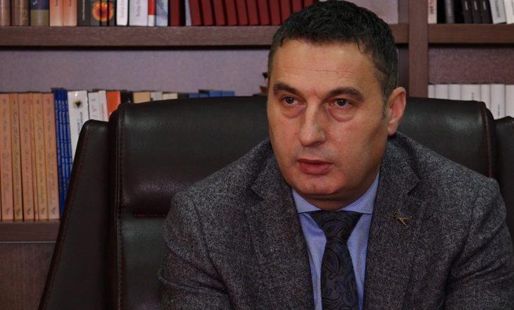 Ministri i Arsimit çështjen e mosakreditimit të universiteteve dhe kolegjeve në Kosovë ia lë Qeverisë