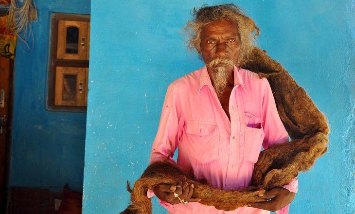 Flet njeriu që nuk i pastroi për 40 vite flokët: Zoti ma la këtë detyrë në ëndërr