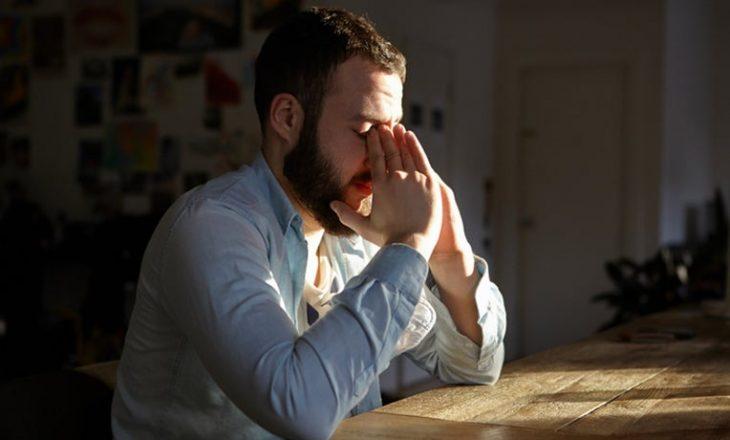 Studimi: Burrat e divorcuar, shumë herë më të rrezikuar nga sëmundjet