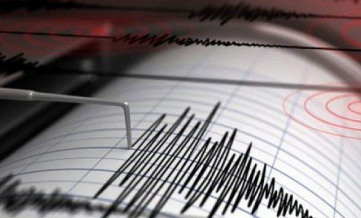 Tërmet i fuqishëm në Indonezi