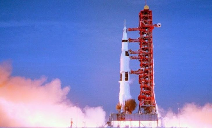 Misioni i parë me njerëz nga Toka për në Hënë