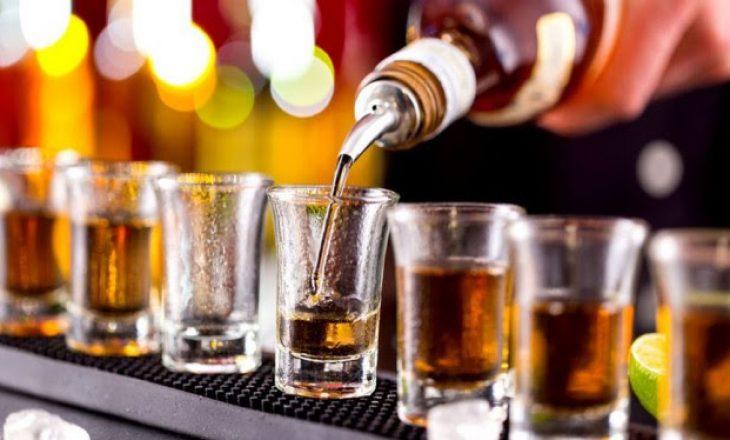 Ekspertë rekomandojnë kujdes me konsumimin e alkoolit