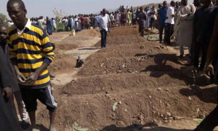 Sulm terrorist gjatë një varrimi, vdesin 30 persona