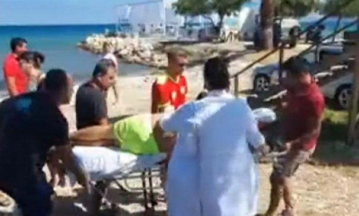 Stuhia në Shqipëri, roja i plazhit në Vlorë 30 minuta pa ndjenja