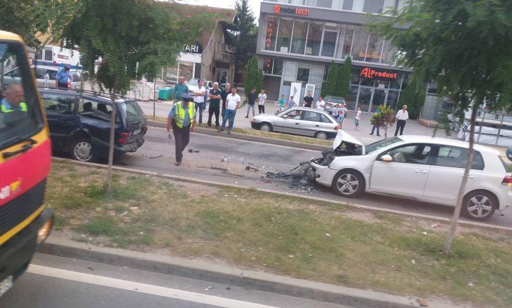 Pamje të aksidentit në rrugën Prishtinë-Fushë Kosovë ku u lënduan gjashtë persona