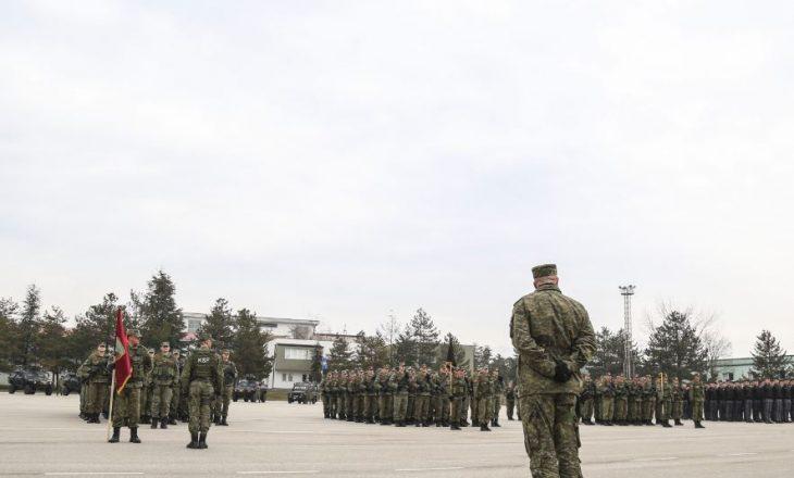 """Dyshimet për helmimin e 45 ushtarëve – AUV heton ushqimin e """"Beni Donës"""", gjen mungesë të higjenës"""