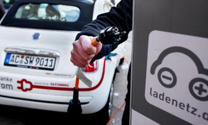 Rregulli që ka hyrë në fuqi nga 1 korriku për veturat elektrike