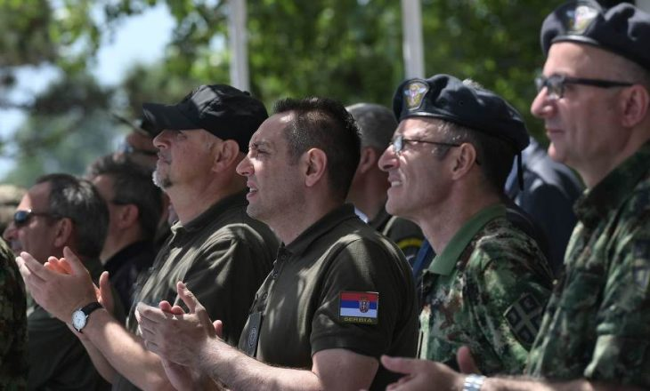 Ministri serb e paraqet Ushtrinë e Kosovës si kërcënimin më të madh për Ballkanin