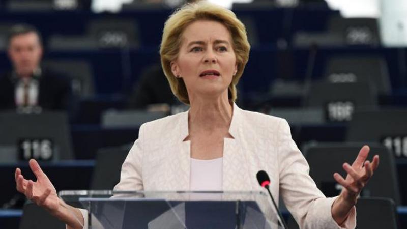 Ursula von der Leyeb gruaja e parë si presidente e Komisionit Evropian