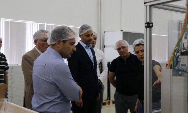 Jaha Solar, investimi i madh nga diaspora, vizitohet nga Lluka e Shala