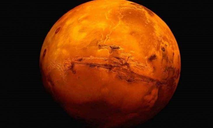 Pronari i Tesla propozon bombardimin e Marsit për ta bërë të banueshëm