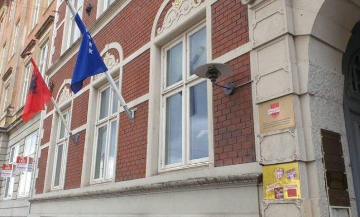 Publikohen pamjet e sulmit të Konsulatës së Kosovës në Danimarkë