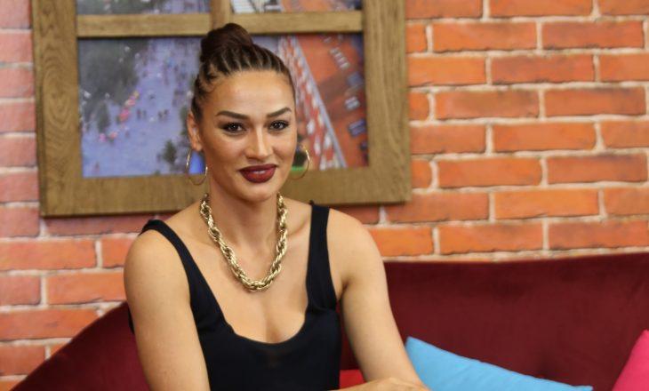 Këngëtarja shqiptare e pranon se është në lidhje