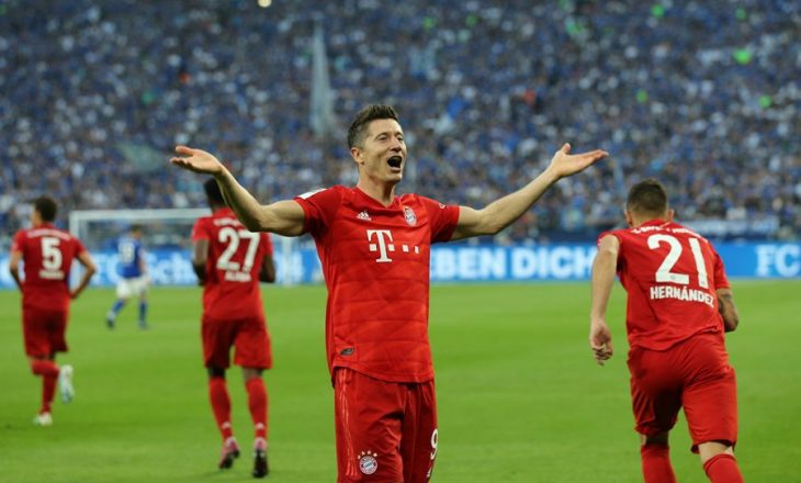 Bayerni merr fitoren e parë në Bundesligë, Lewa hat-trick Schalkes