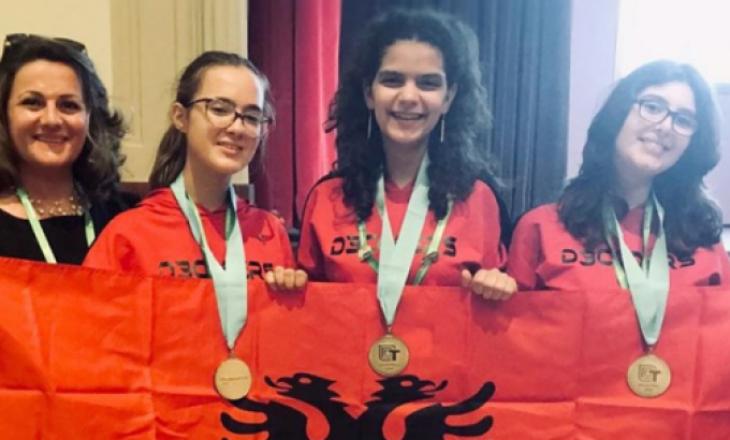Tre gjimnazistet shqiptare, fituese në garën ndërkombëtare të teknologjisë