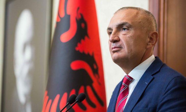 Presidenti i Shqipërisë thotë se vendi i tij s'mund të jetë pjesë e dialogut Kosovë – Serbi