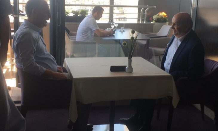 Pamje nga takimi Mustafa-Limaj