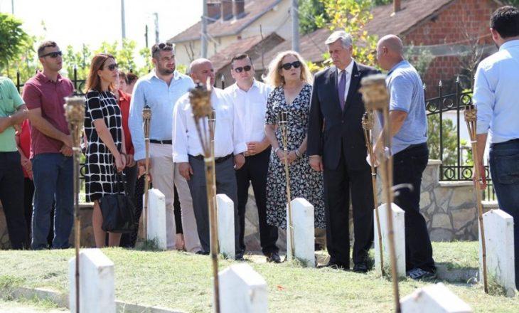 Kosnett viziton familjet e të pagjeturve në Krushë të Madhe
