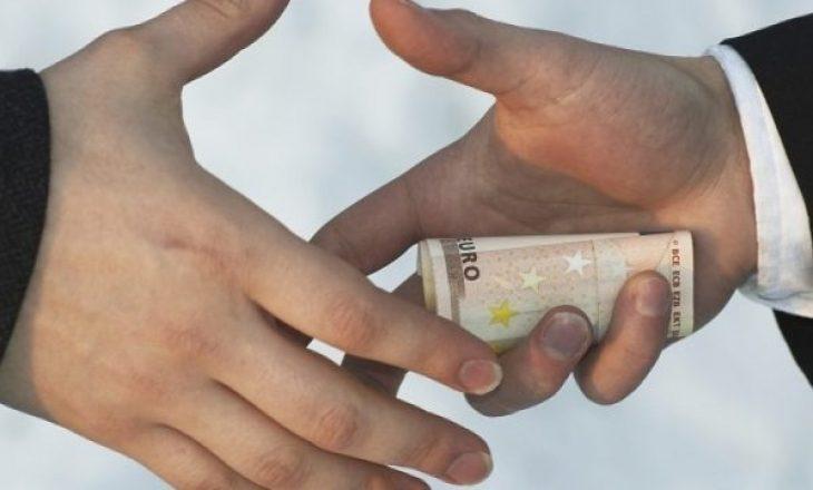 """""""Kosova po dështon në luftimin e korrupsionit"""""""