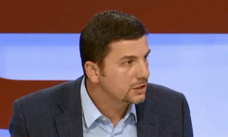 """Memli Krasniqi """"godet"""" udhëheqësit e LDK-së, përmend Rugovën e Hazirin"""