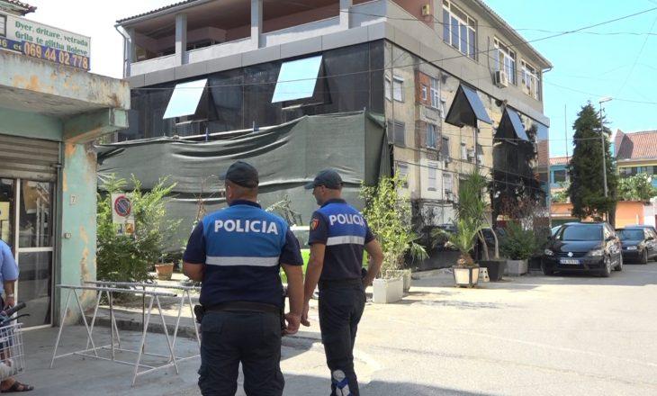 Vdes në spital 26-vjeçari i plagosur me  plumb në kokë – Shpallen në kërkim djemtë e pronarit të vilës