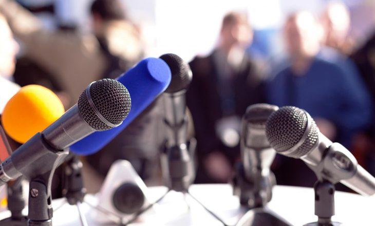 Gazetari grushtohet gjatë raportimit live