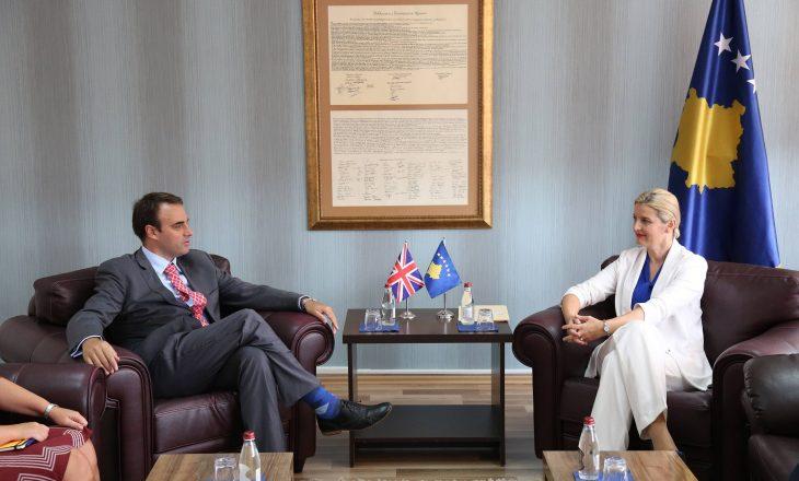Ministria e Dhurata Hoxhës dërgon një njoftim të ri, korrigjon fjalët e ambasadorit O'Connell