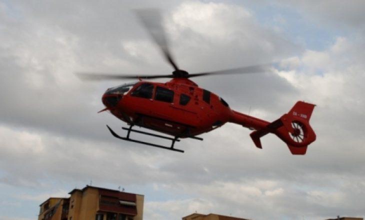 Turisti çek rrëzohet në malet e Librazhdit, transportohet me helikopter drejt Tiranës