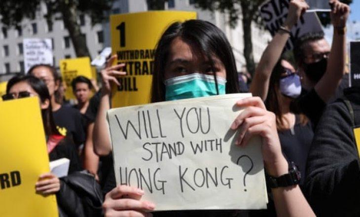 Twitter dhe Facebook pezullojnë llogaritë kundër protestave në Hong Kong