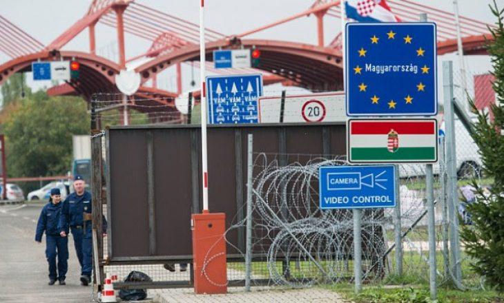 Sllovenia vendos gardhe shtesë në kufirin me Kroacinë