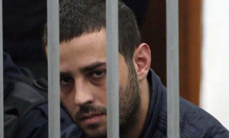 Vdekja e regjisorit shqiptar – I biri që u dënua për vrasje të katërfishtë kërkon leje nga burgu për varrimin e të atit