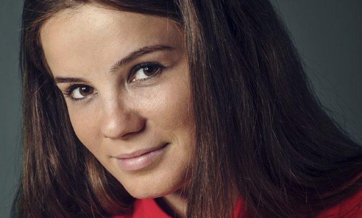 AGK dënon gjuhën fyese ndaj gazetares Paulina Nushi Muhaxhiri