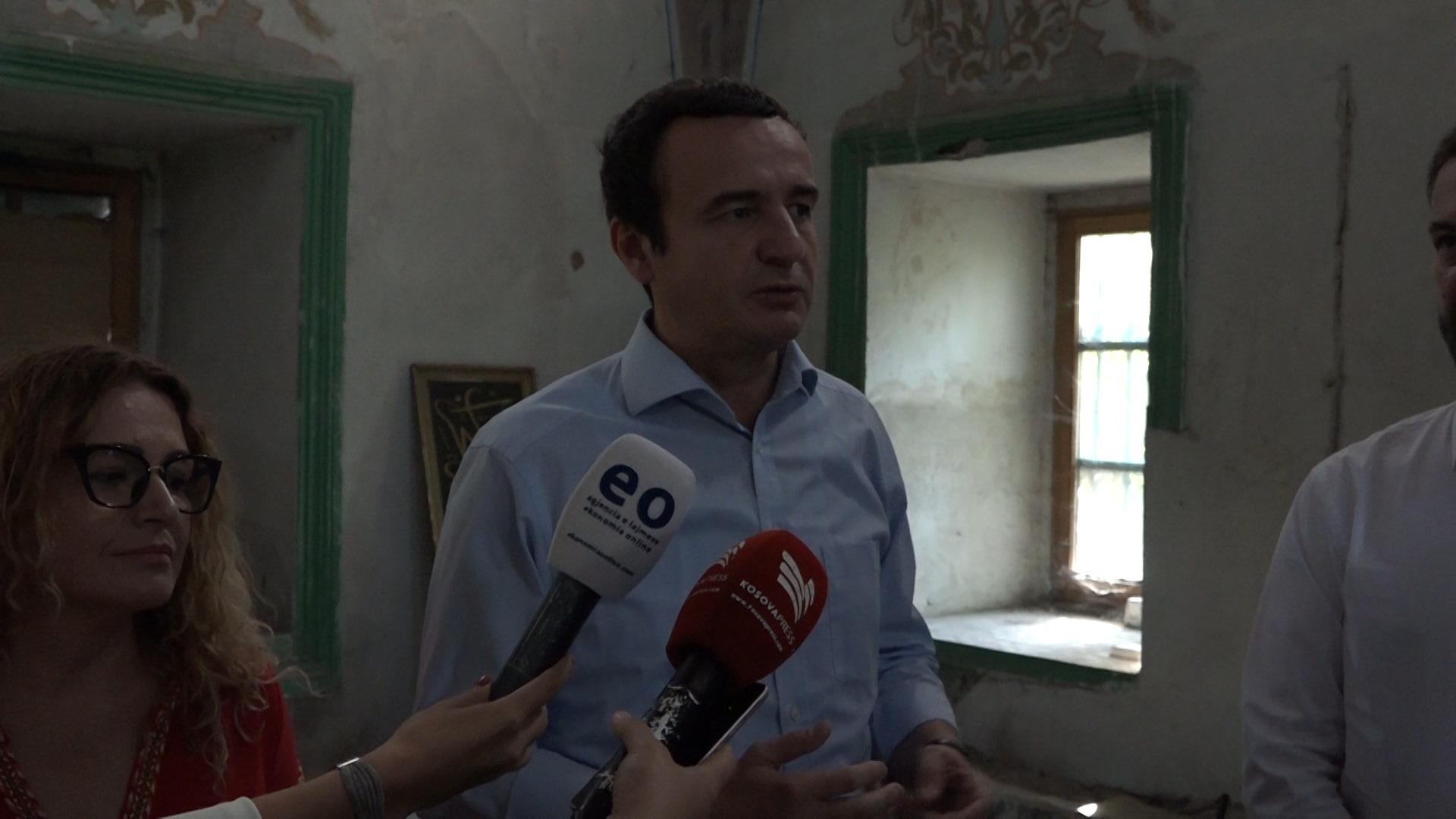 Kurti  Restaurimi i Xhamisë së Çarshisë në Prishtinë është stërzgjatur shumë
