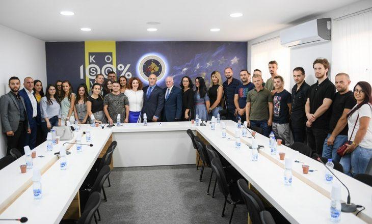 Dhjetëra profesionistë i bashkohen AAK-së, Haradinaj: Jam mirënjohës për besimin